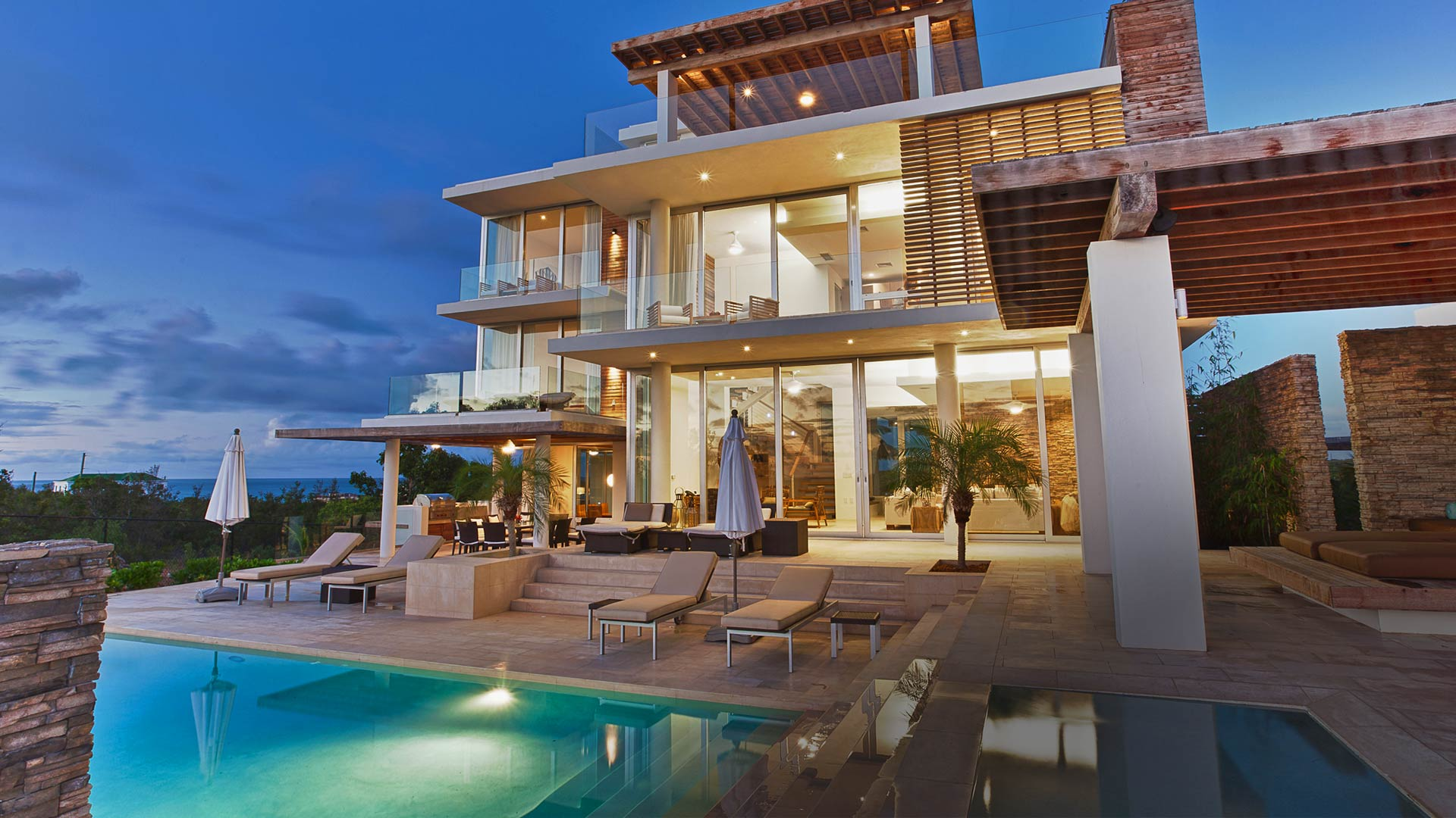 The world top luxury villas luxury stuff for Luxury accommodation worldwide