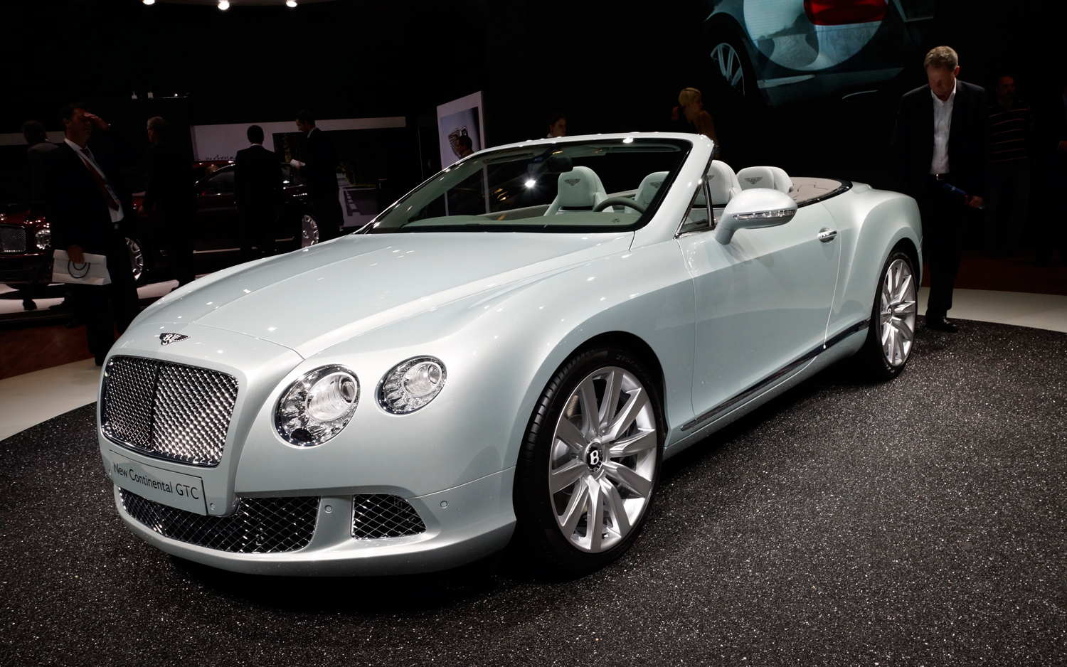 bentley continental gtc front three quarters